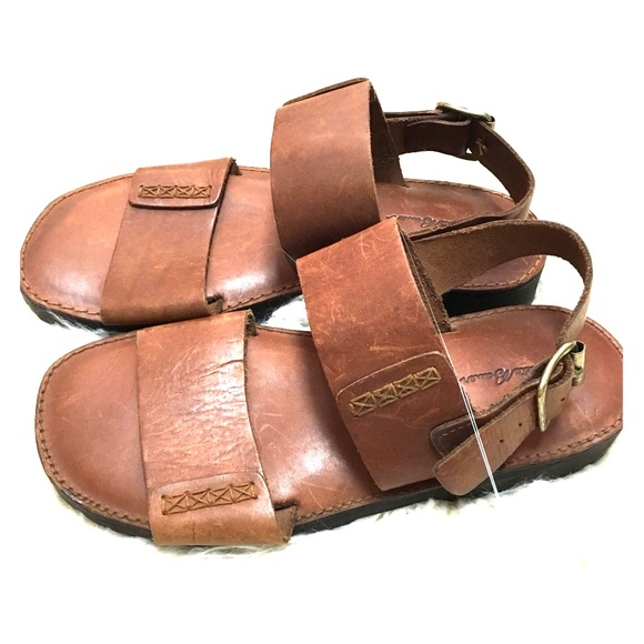 657dd5c9fa25 Eddie Bauer Shoes - Vintage Eddie Bauer Brown Leather Ladies Sandals